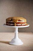 Geschichteter Karamellkuchen mit Horlicks (Malz-Milch)