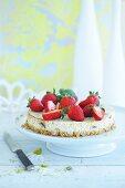 Mini cheesecakes with dates, honey and fresh strawberries