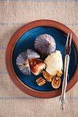 Figs with mascarpone, honey and walnuts