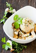 King trumpet mushrooms with bread dumplings