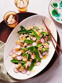 Ginger chicken with water chestnuts and radishes (Asia)