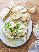 Dill crispbread with goat's cheese