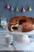 Poppyseed cake with damson mousse