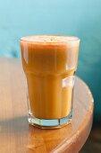 Karotten-Spinat-Saft mit Apfel und Sellerie