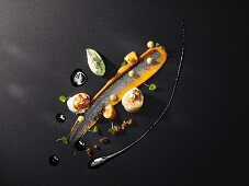 Scallops with avocado ice cream; avocado, olive and chilli tapenade; tomato mayonnaise and ginger cream (flavour pairing)