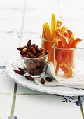 Vegetable sticks with roasted almonds