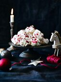 Meringues with raspberry sauce for Christmas