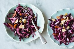 Red cabbage salad with flaked almonds