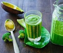 Avocado and fennel smoothie with broccoli, bok choy, green kale, black kale and cardamom