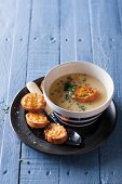 Cauliflower and cheddar cheese soup with cheesy toast