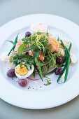 Smoked salmon with rocket, eggs and green beans