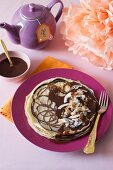 Patterned crepes with caramel sauce