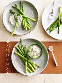 Asparagus with walnut mayonnaise