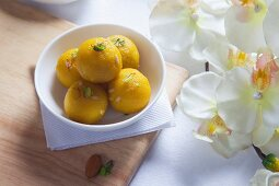Laddu (sweet dumplings, India)