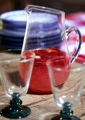 Erdbeerbowle im Glaskrug