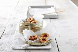Almond jam biscuits from Linz