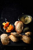 Lemon madeleines with poppyseeds and Clementine marmalade