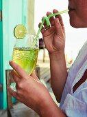 Green lemon iced tea