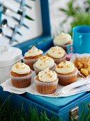Papaya cupcakes for a picnic