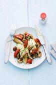 Cremige Polenta mit Thymian, Pilzen und Tomaten