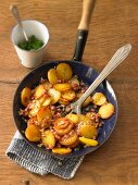 Fried potatoes with onions and bacon