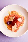 Kalbsfiletcarpaccio mit Tomaten-Vanille-Cassata & Zitronendressing