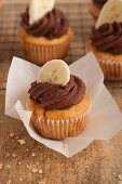 Banoffee cupcakes with chocolate frosting