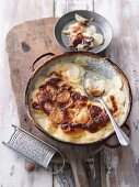 Potato gratin with cream and nutmeg