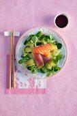 Sashimi-Salat mit Ingwerdressing