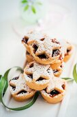 Mince pies sprinkled with icing sugar for Christmas