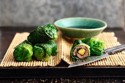 Beef and mango rolls wrapped in lettuce