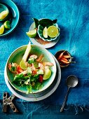 Tom Yam Gung (spicy sour soup with prawns, Thailand)