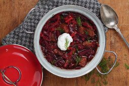 Beetroot stew with pork