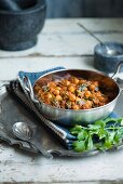 Chickpea curry with spinach and coriander (India)
