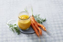 A turmeric and carrot smoothie with oranges and yoghurt