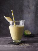 Pear and lime smoothie with maca, hemp and turmeric