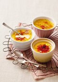 Crème brûlée with mango
