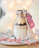 Backmischung im Glas als Weihnachtsgeschenk
