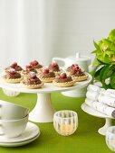 Chocolate-raspberry individual tarts