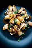 Hoy Lai Pad Prik Phauw (clams with Thai basil and curry paste, Thailand)