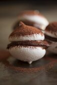 Meringue cookies with chocolate filling