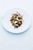 Warmer Artischockensalat mit Kaninchen und Gemüse-Vinaigrette