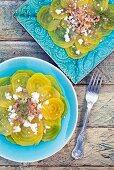 Salat mit gelber Bete, Manouri und Nüssen (Kreta, Griechenland)