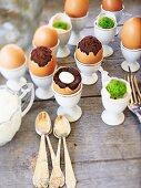 Brownies, in Eierschalen gebacken