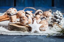 Mushroom-shaped spiced biscuits