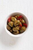 Olive schiacciate (Zerdrückte, entsteinte und eingelegte Oliven, Italien)