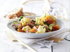 Warm vegetable salad with goat's cheese croutons