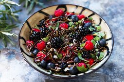 Berry salad with wild rice