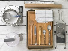 Kitchen utensils for making strudel
