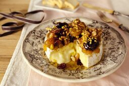 Baked Camembert with dried fruit compote